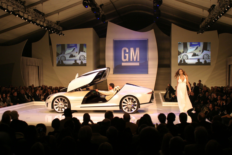 82519_The_Detroit_Auto_Show_01_06_2007_01_122_564lo.jpg