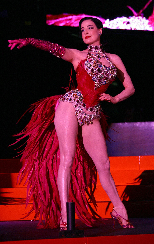 42047_Celebutopia-Dita_Von_Teese_performs_on_stage_at_Erotica_2007-10_123_730lo.jpg