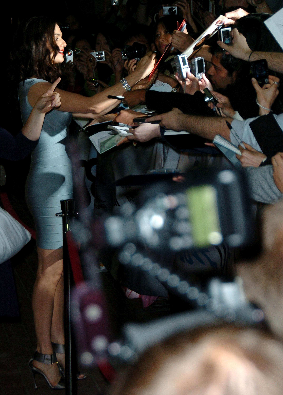 26382_Celebutopia-Rachel_Weisz-The_Brothers_Bloom_premiere_during_the_2008_Toronto_International_Film_Festival-10_122_652lo.jpg